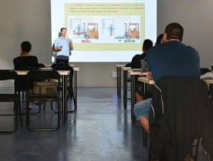 Read more about the article CDL School or Company Training?